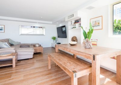 luxury living area apartment broadbeach