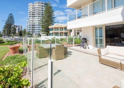 ground floor holiday apartment beachfront