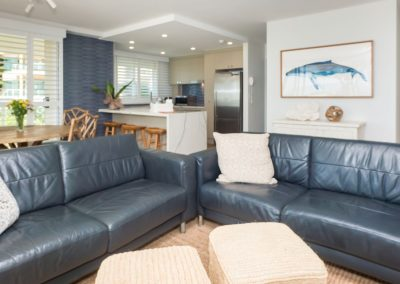 viscount on the beach living area