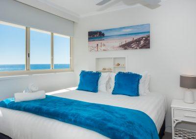 Viscount Broadbeach - bedroom