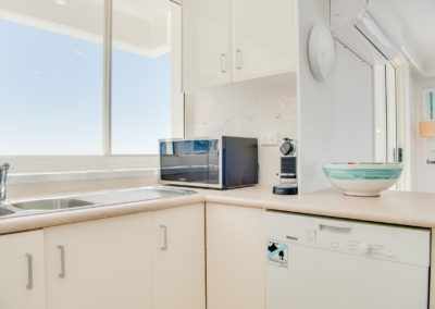 Unit 18 - Superior 3 Bedroom Ocean View Apartment